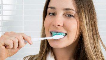 Plaque HD - plaque identifying toothpaste.