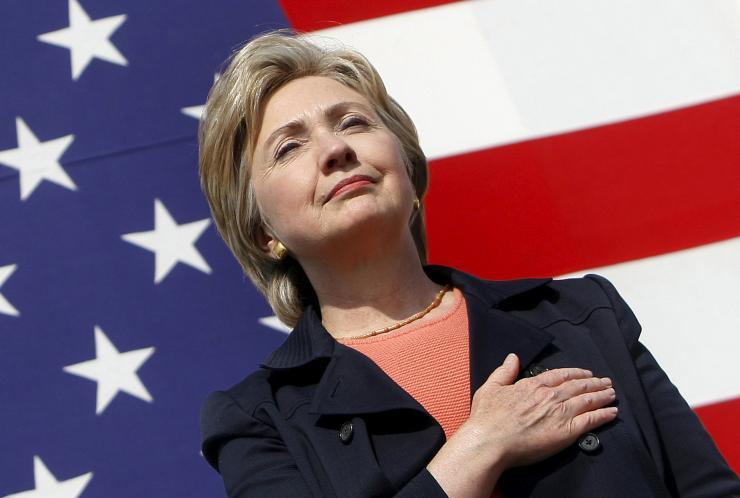 Presidential Dental Makeover : Hillary Clinton